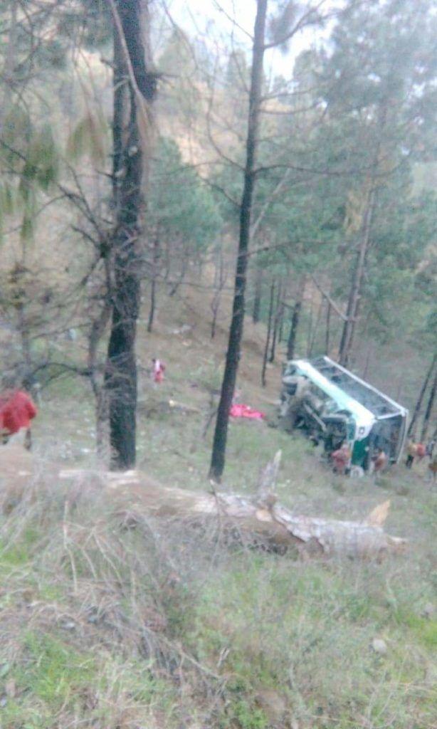 चंडीगढ़ से चंबा जा रही बस खाई में गिरी, 5 की मौत, 35 घायल