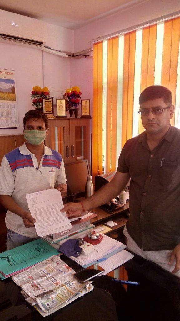 हिमाचल प्रशिक्षित बेरोजगार संघ ने टीजीटी बैच वाइज भर्ती शुरू करने के लिए एसडीएम ज्वालामुखी को सौंपा ज्ञापन