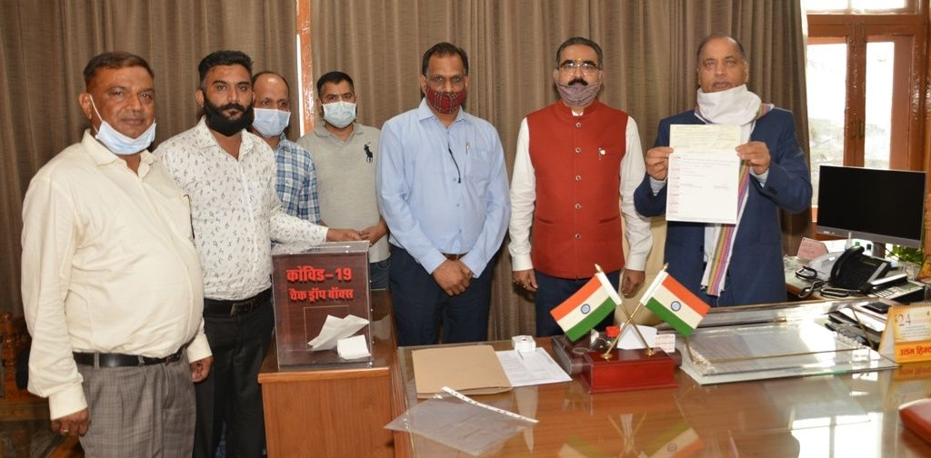 उद्योग मंत्री औऱ लघु उद्योग भारती ने कोविड-19 फंड में दिया अंशदान
