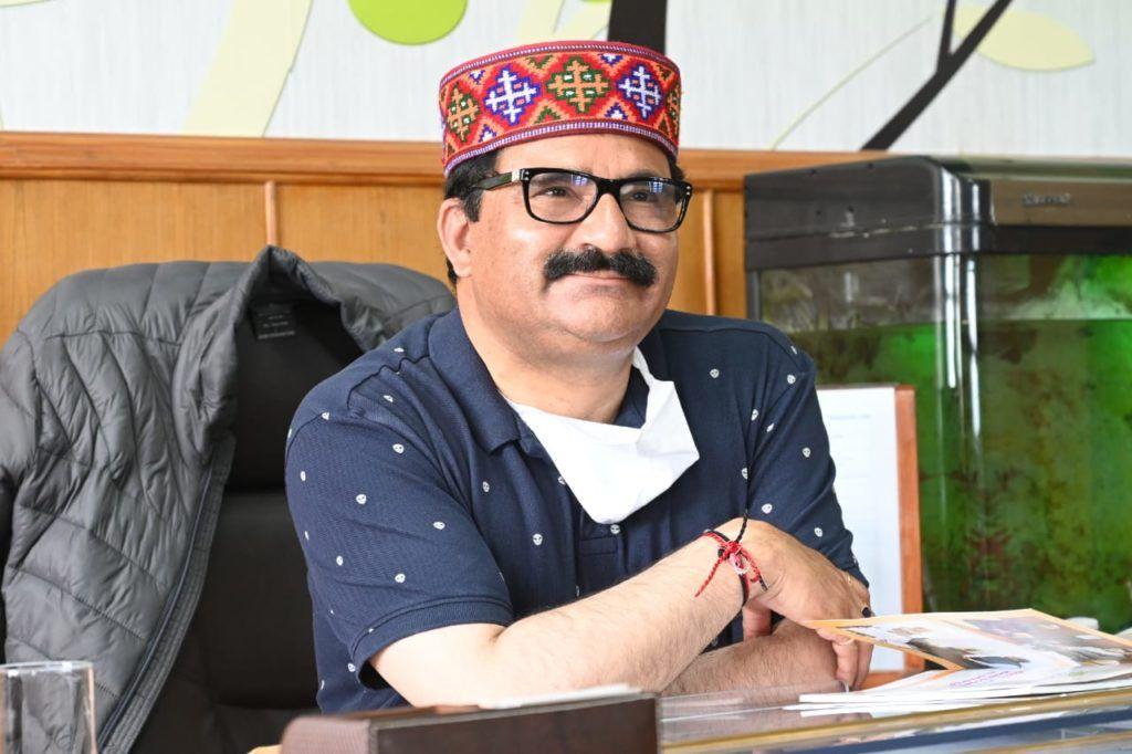 हिमाचल के कैबिनेट मंत्री गोविंद सिंह ठाकुर का नाम वर्ल्ड बुक ऑफ रिकार्ड्स में दर्ज
