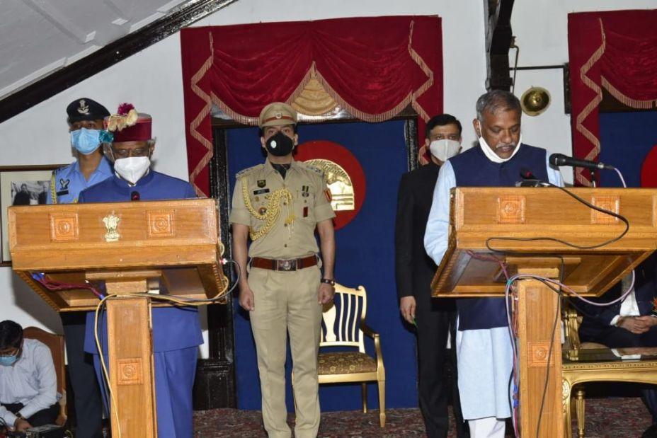 सिरमौर में कोरोना का बड़ा विस्फोट, ऊर्जा मंत्री की पत्नी और उपाध्यक्ष बलदेव तोमर व उनका परिवार पाया गया पॉजिटिव, पुरुवाला थाना भी हुआ सील
