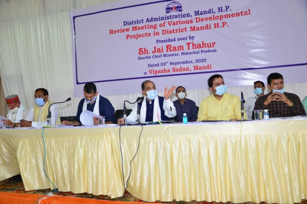 आवासहीन गरीबों के लिए होंगे 10 हजार घरों के निर्माण, CM ने की विकासात्मक परियोजनाओं की समीक्षा