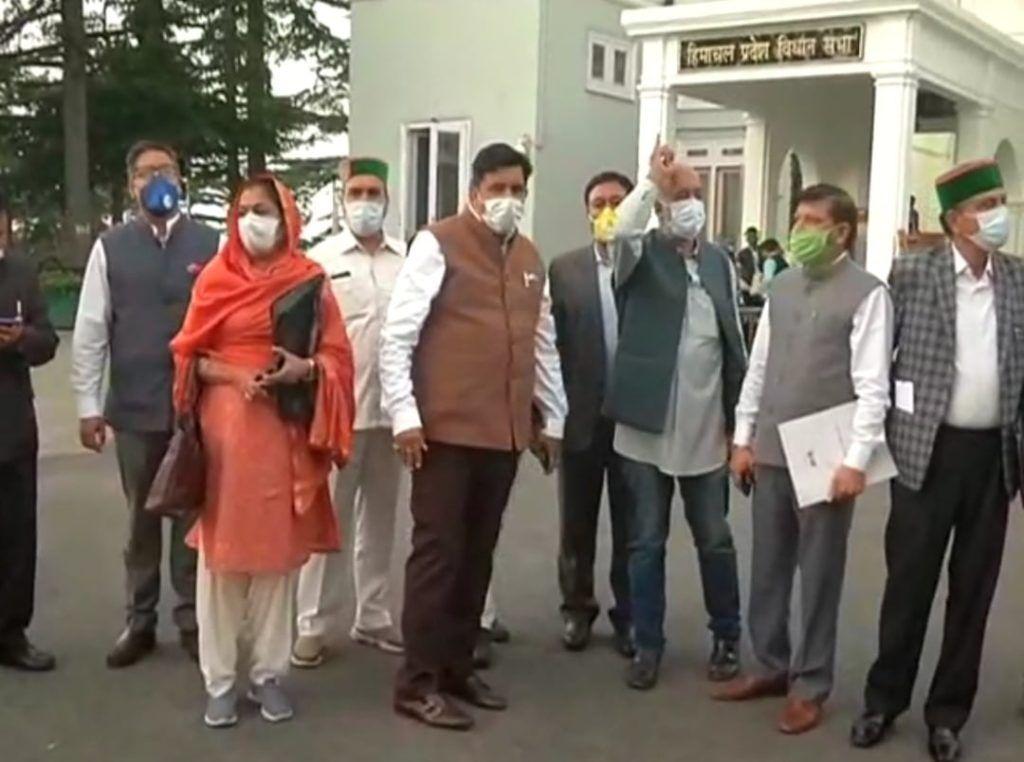 हिमाचल विधानसभा में विपक्ष ने दलितों के मुद्दे पर नियम 67 के तहत मांगी चर्चा, किया वाकआउट