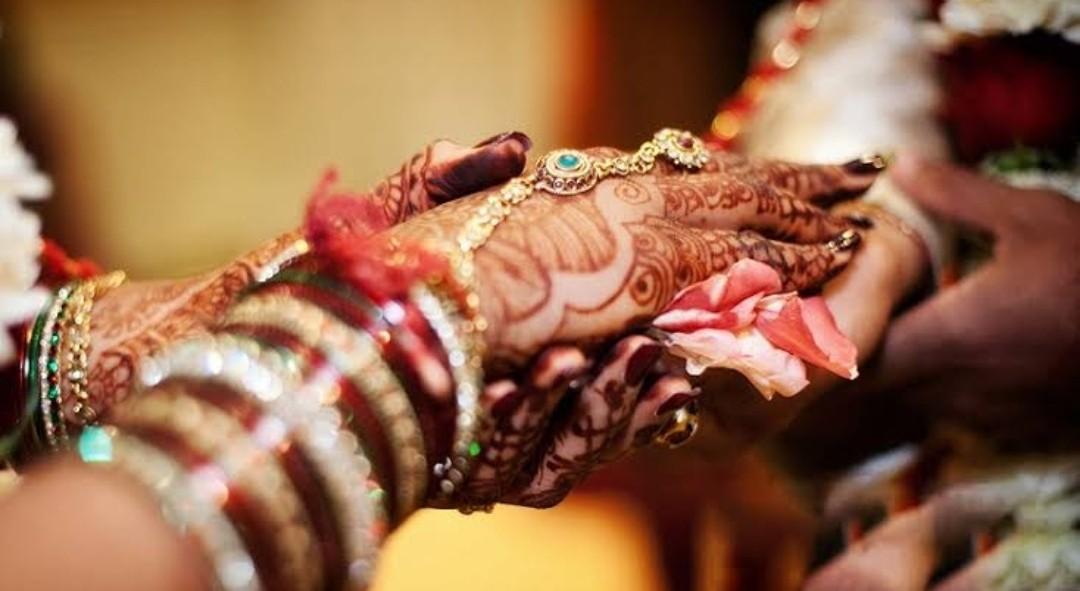 योग से बनाये वैवाहिक जीवन को सुखद –  पंकज