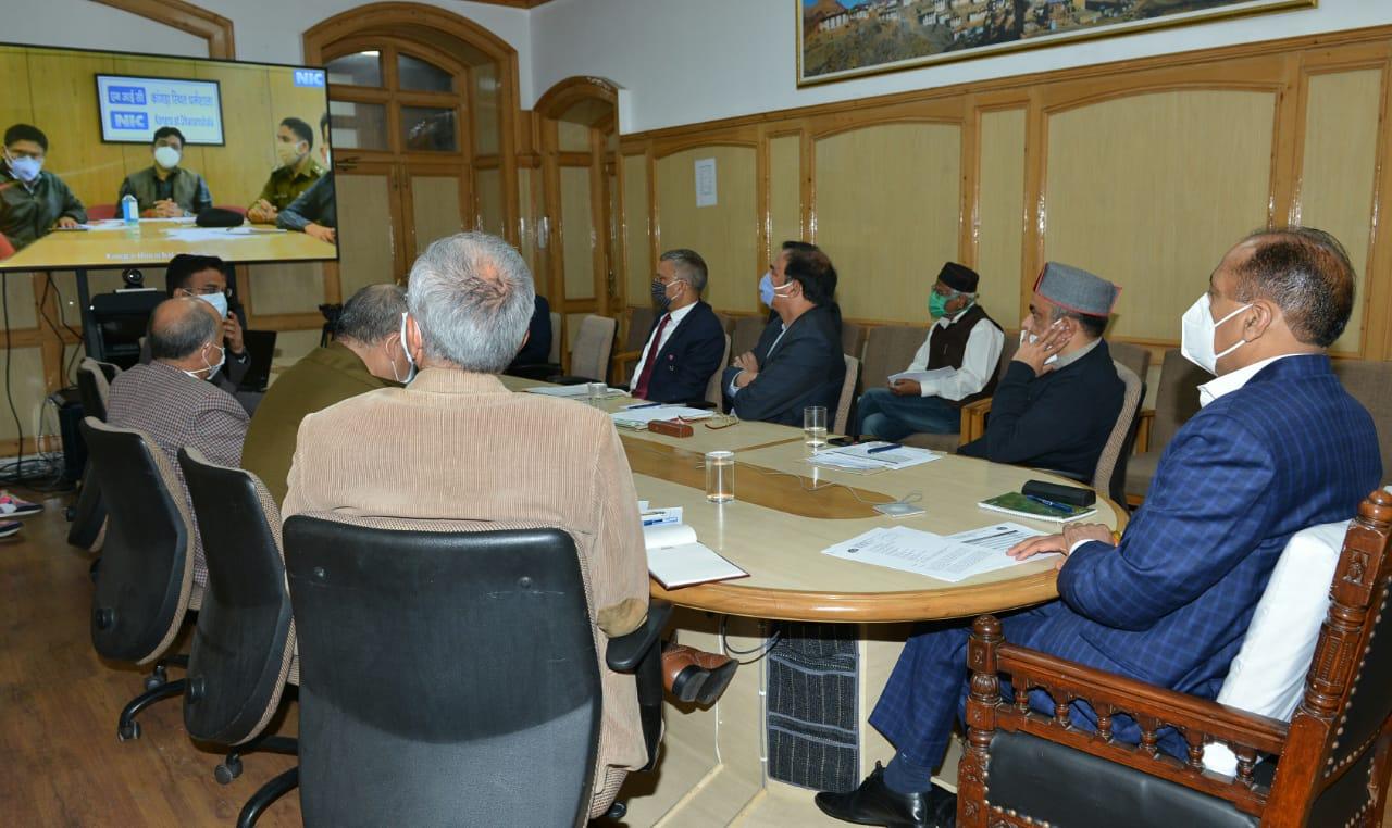 मुख्यमंत्री ने घर पर आइसोलेशन में रह रहे सभी लोगों की स्वास्थ्य जांच के दिए निर्देश