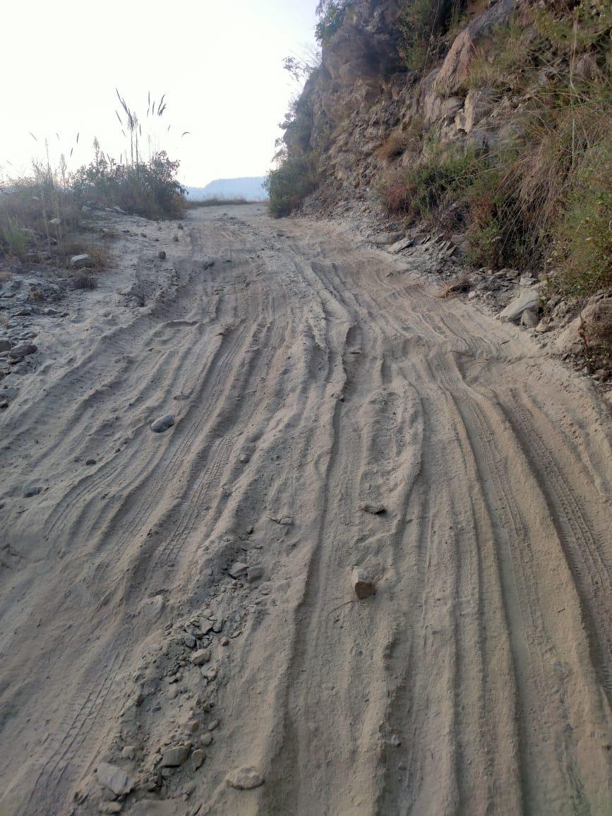 उभादेश की कुल्टी से गोविंदपुर सड़क का हाल बदतर, कोई सुध लेने वाला नहीं