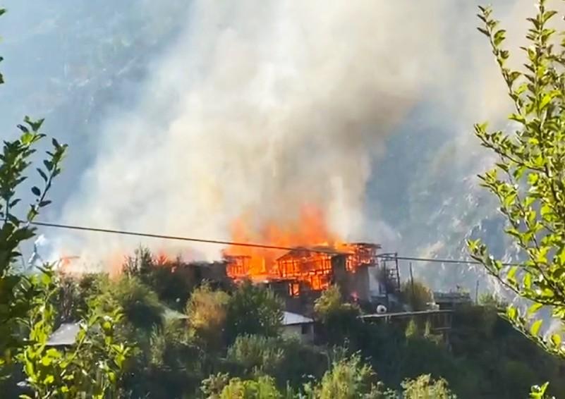 दुःखद- किन्नौर के पुरबनी गांव में अग्निकांड, 7 घर जले- करोड़ों ख़ाक, सीएम ने जताया दुःख
