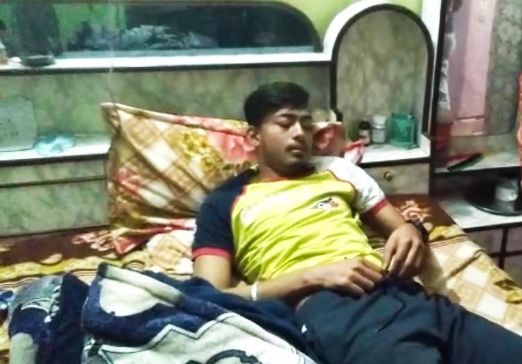 गलत दिशा पर गाड़ी चलाने तो नालागढ़ पुलिस ने की युवक की निर्मम पिटाई, थाना परिसर में कटाए 50 चक्कर