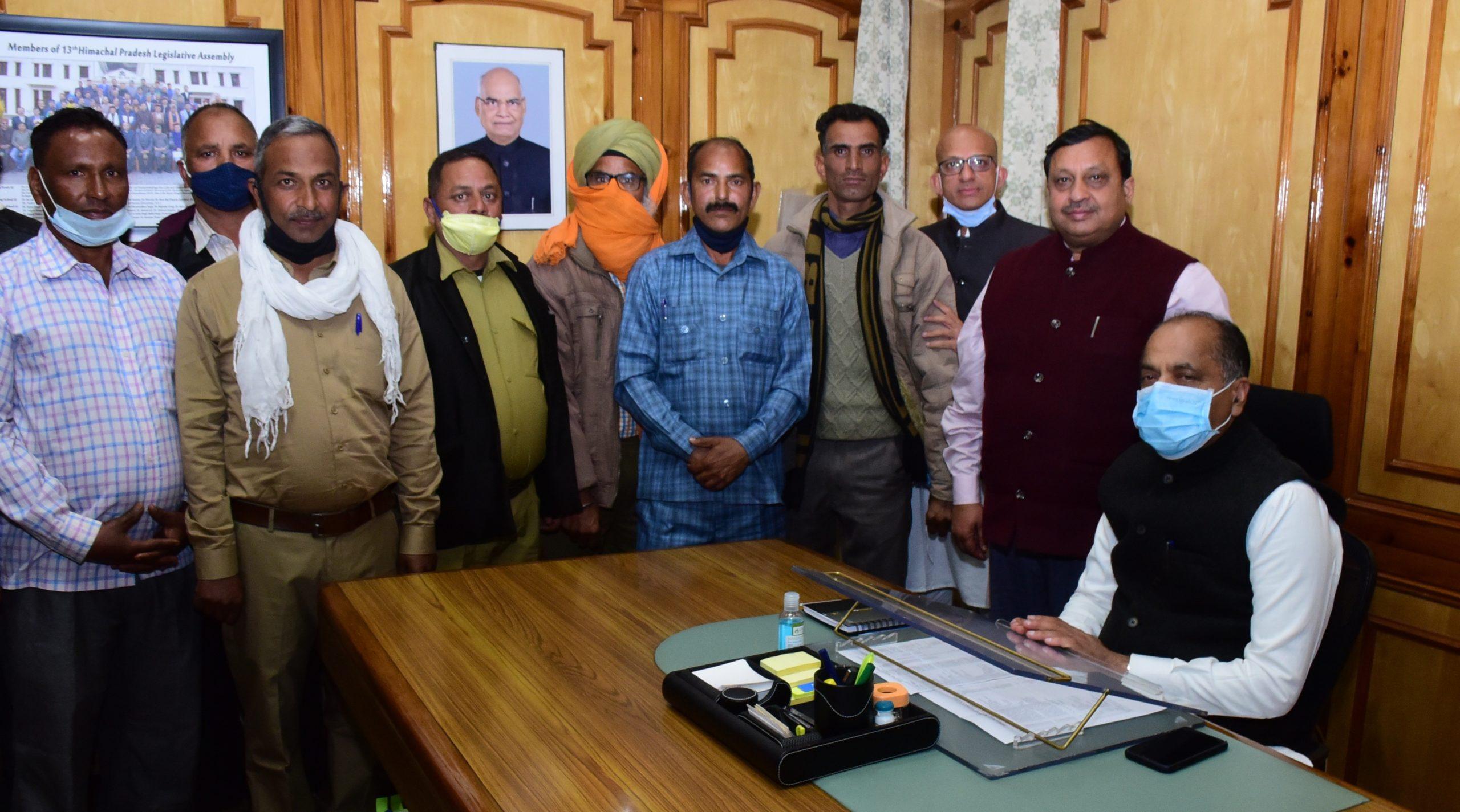 मुख्यमंत्री से मिला पंचायत चैकीदारों का प्रतिनिधिमंडल