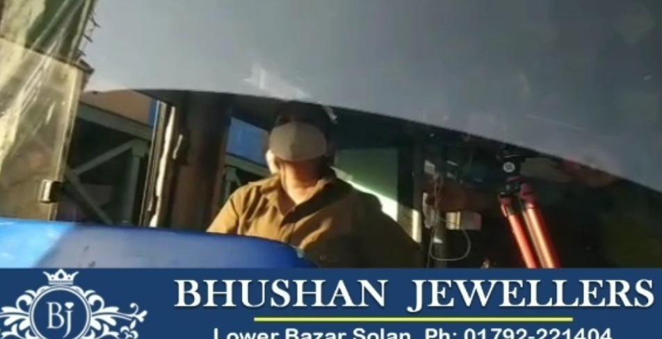 सीमा ठाकुर बनी प्रदेश की पहली इंटर स्टेट HRTC बस चालक, शिमला-चंडीगढ़ रूट पर दौड़ाई बस