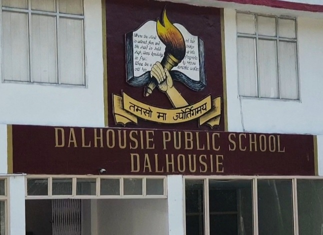 डलहौजी पब्लिक स्कूल के 127 छात्र, 20 शिक्षक व स्टाफ समेत 158 कोरोना पॉजिटिव