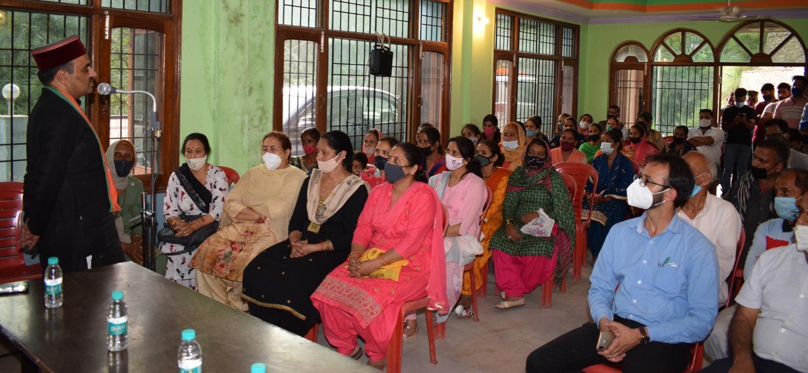प्राकृतिक खेती ही सुदृढ़ भविष्य का आधार, सुल्तानपुर में 34 लाभार्थियों को किए चैक वितरित-डॉ. सैजल