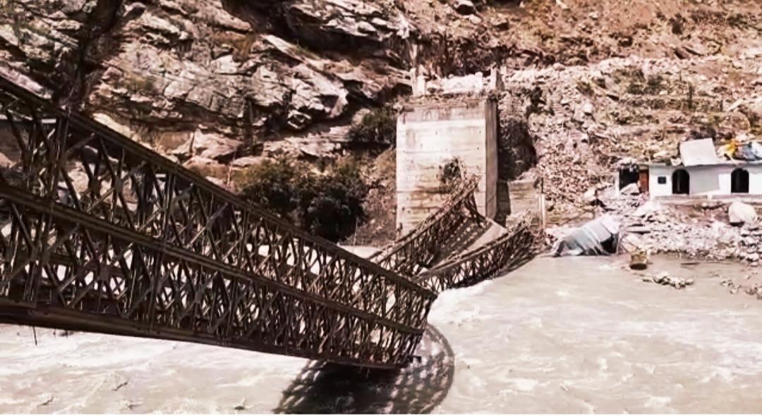 दुःखद-किन्नौर में सांगला-छितकुल मार्ग पर बटसेरी में पहाड़ी से गिरे पत्थर, 9 पर्यटकों की मौत 3 घायल