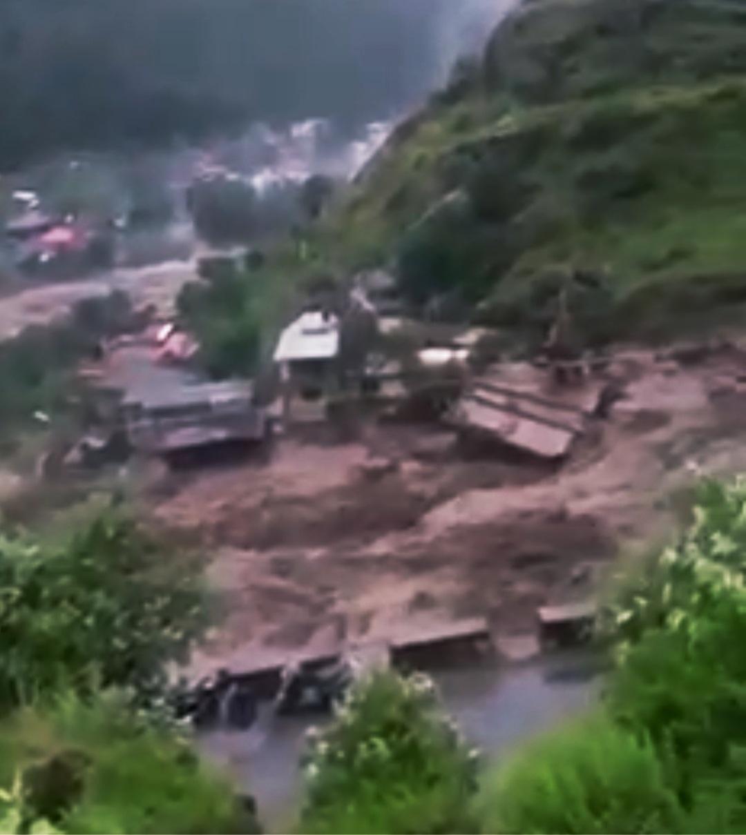 लाहौल स्पीति में कुदरत का कहर, 10 लोग लापता 2 शव बरामद, NDRF बुलाई स्थानीय प्रशासन बचाव में जुटा