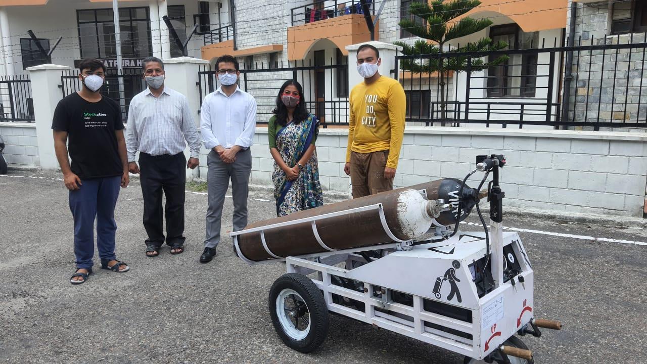 NIT के विद्यार्थी ने ईजाद की सेमी-आटोमेटेड ट्राॅली, आक्सीजन सिलेंडर बदलने की समस्या से दिलाएगी निजात