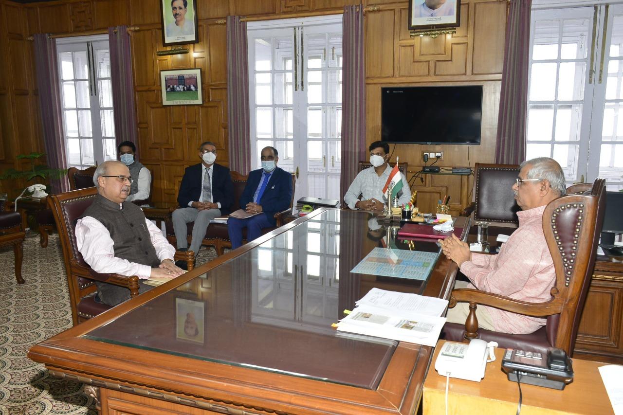 """राज्यपाल हिमाचल ने की """"हर घर पाठशाला"""" अभियान की सराहना, शिक्षा विभाग के उच्च अधिकारियों से ली विभिन्न गतिविधियों की जानकारी"""