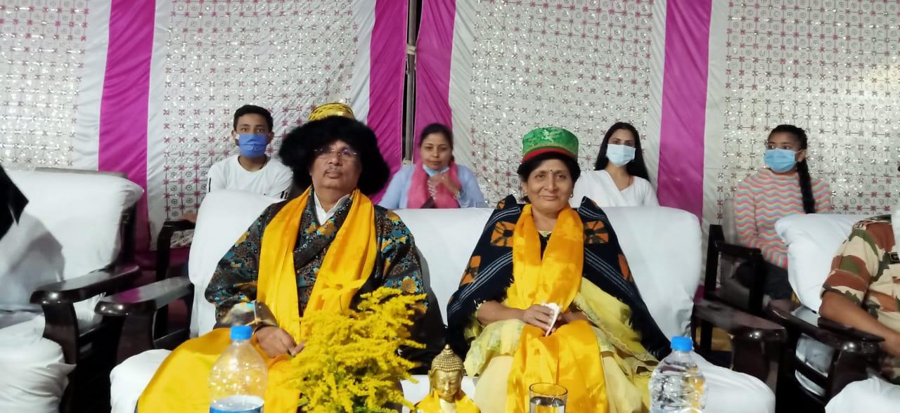 लाहुली समृद्ध संस्कृति से प्रभावित हुए राज्यपाल आर्लेकर, पारम्परिक परिधान में स्वागत, ताबो और की-गोम्पा का दौरा भी किया