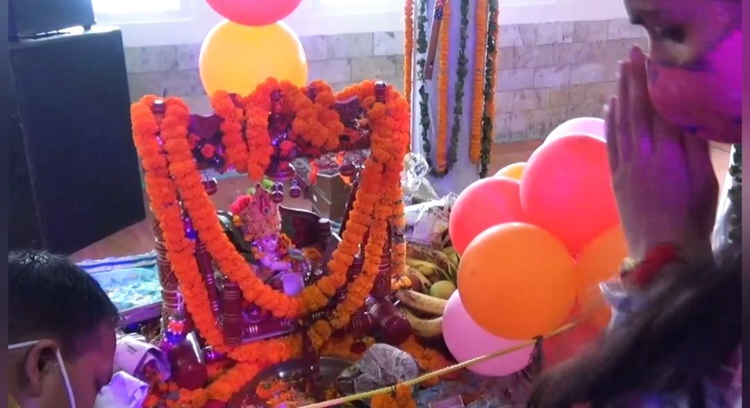हिमाचल में धूमधाम से मनाया जन्माष्टमी का त्यौहार, मंदिरों में लगा श्रद्धालुओं का तांता भक्तिमय हुआ माहौल