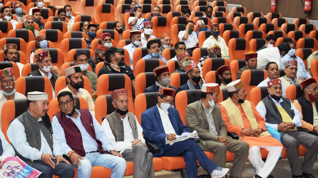 अंतरराष्ट्रीय कुल्लू दशहरा उत्सव को लेकर गोविंद ठाकुर ने बुलाई देव कारदारों की बैठक, कहा- देव परम्पराओं का खुले मन से करेंगे स्वागत