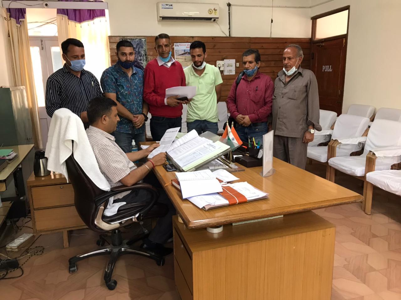 'नोग घोड़ी चार ठहरी परशुराम देव समिति' ने लालसा में पकड़े गए मिशनरियों को सख्त सजा देने के लिए SDM को सौंपा ज्ञापन