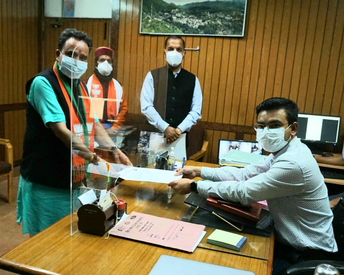 हिमाचल उप चुनाव- मंडी  व तीन विधानसभा क्षेत्रों के लिए 24 ने किया नामांकन, मंडी से 8 दावेदार
