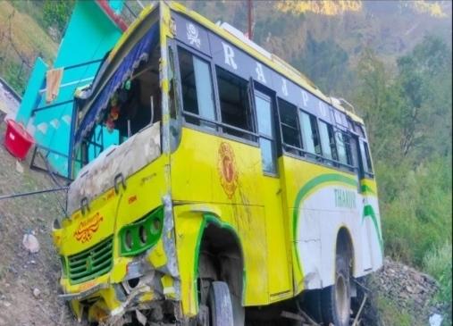 चम्बा में निजी बस हादसा, 34 यात्री घायल, उपचार के लिए मेडिकल कालेज चम्बा भेजे