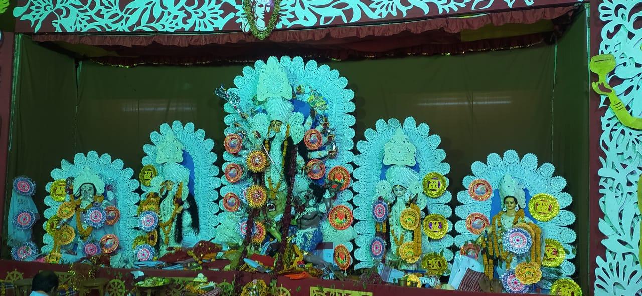 शिमला के कालीबाड़ी मन्दिर में धूमधाम से मनाया गया दुर्गापूजा , महिलाओं ने खेली सिंदूर की होली